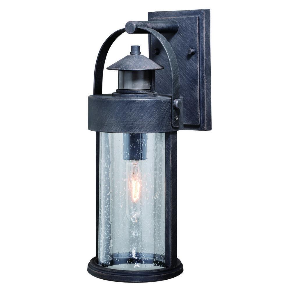 Cumberland dualux 6 outdoor wall light